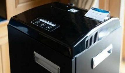 Шредер «Росэлектроники» превращает документы и диски в пыль