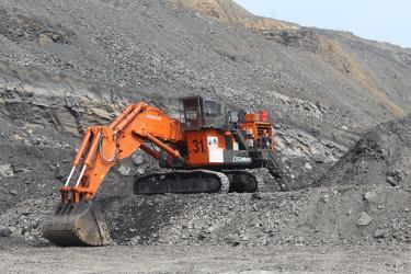 Первый в России экскаватор Hitachi ЕХ2600-7 приступил к работе в Кузбассе