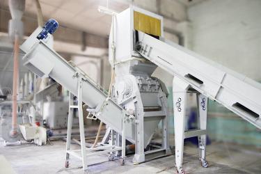 Компания СТАНКОПОЛИМЕР выпустила новую модель универсальной дробилки для переработки пластика