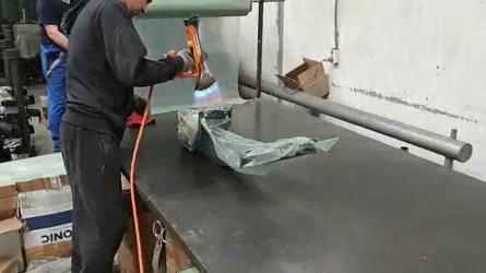 Алджипак: частный случай применения термоупаковочного пистолета Ripack 3000 для упаковки фаркопов