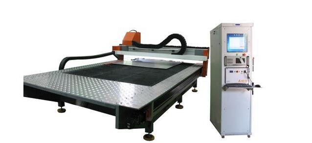 Комплекс лазерный с волоконным лазером ЛК-1,0 на базе ШВП FESTO