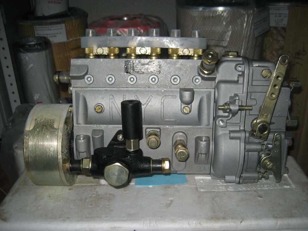 Топливный насос ТНВД B7606-1111010-493