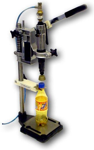 Полуавтоматическое устройство укупорки бутылок пластиковыми пробками с резьбой УУ-З