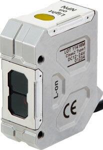 Компактный маслостойкий фотоэлектрический датчик OMRON E3ZRCT61D5M