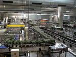 Система конвейеров для линии розлива пива.